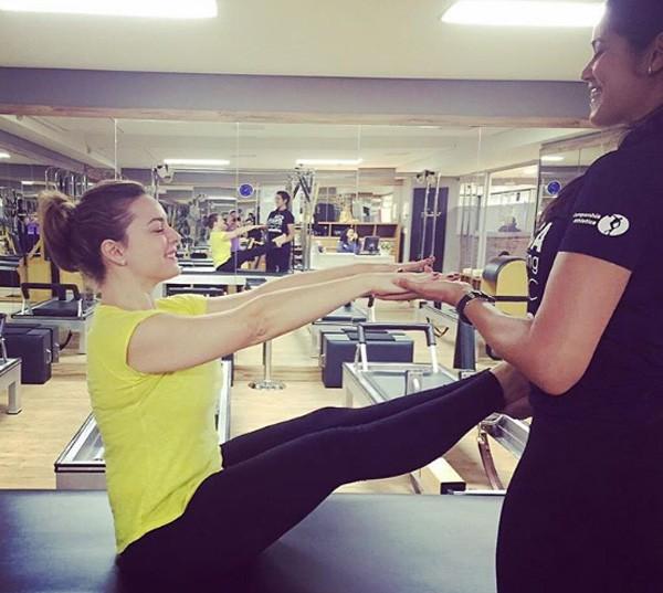 Regiane durante uma aula de pilates (Foto: Reprodução/Instagram)