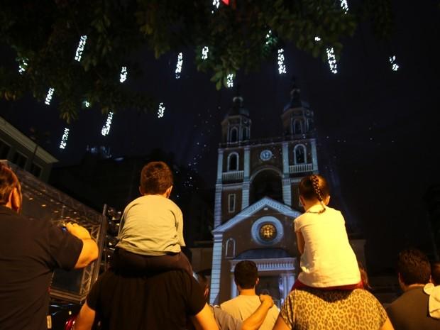 Catedral recebeu luzes e projeções (Foto: Martinho Ghizzo/PMF)
