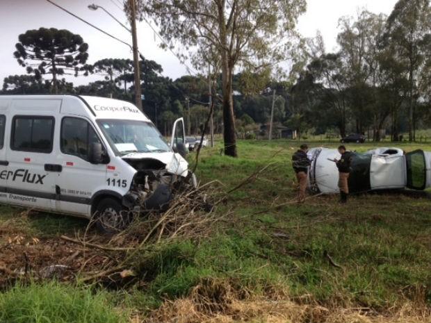 Vítima fatal tinha aproximadamente 50 anos (Foto: Raphael Sibila/ RPC TV)