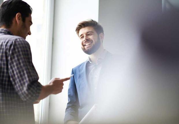 Carreira ; conversando no trabalho ; escritório ; como ser mais sociável ; fazendo amigos ; pausa no trabalho ;  (Foto: ThinkStock)