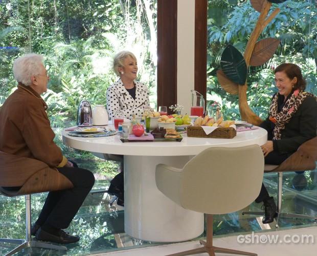 Lilia Cabral toma café da manhã ao lado de Aguinaldo Silva (Foto: Mais Você/ TV Globo)