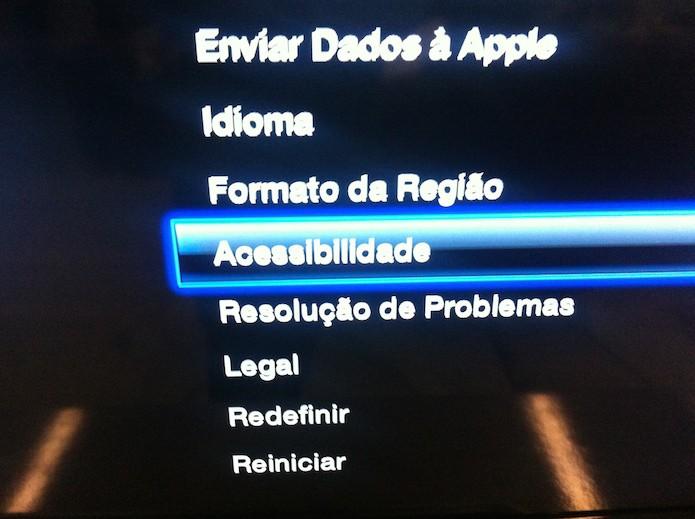 Acessando as configurações de acessibilidade da Apple TV (Foto: Reprodução/Marvin Costa)