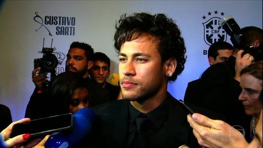Neymar arremata camarote de Marcos no estádio do Palmeiras