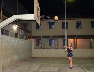 Fabiana quer ser como a Hortência (Foto: Leile Ribeiro)