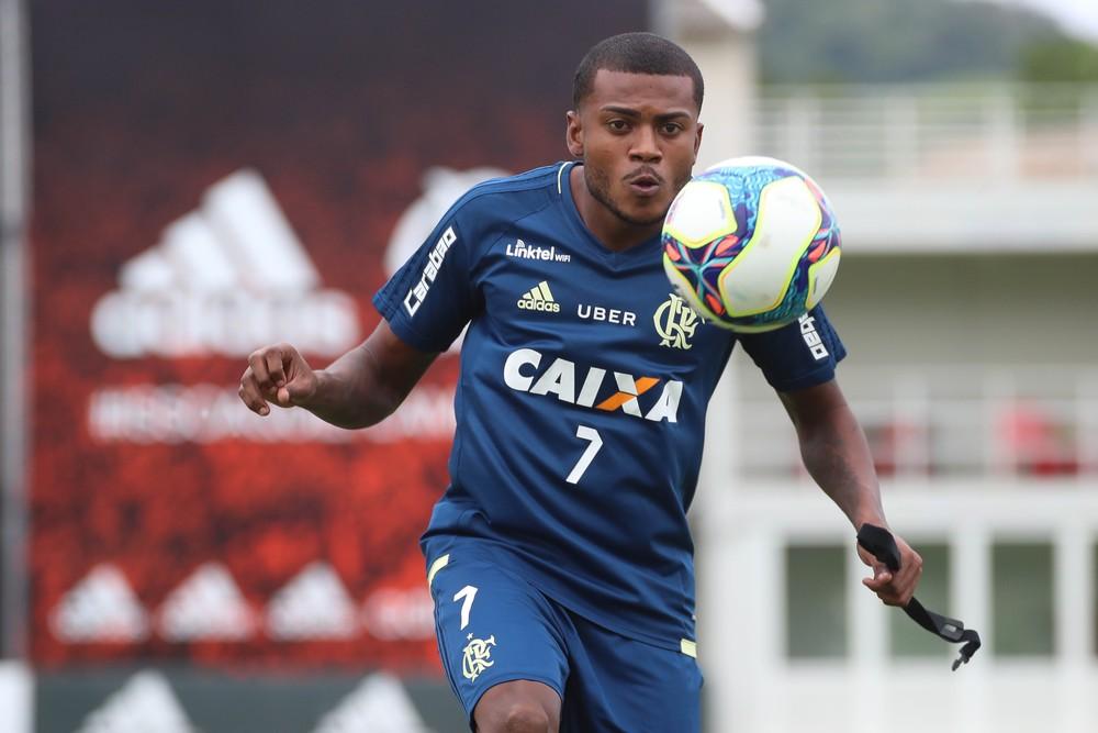 Registro no BID antecipa rescisão de Cirino com o Flamengo e anúncio pelo Inter