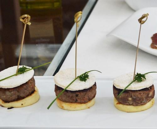 Mini-hambúrguer Sol Triunfal