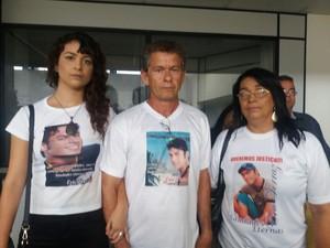 Família de Eric ferraz espera condenação máxima  (Foto: Suely Melo/G1)