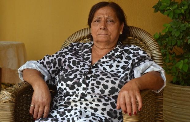 Darlene Fernandes Sousa, mãe de Marcos Vinícius Lemes da Abadia, em Goiânaia, Goiás (Foto: Vitor Santana/G1)