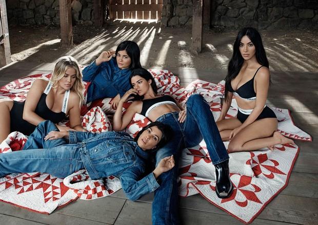Clã Kardashian-Jenner na campanha da Calvin Klein (Foto: Divulgação/Calvin Klein)