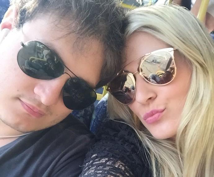 A blogueira é só love com o namorado (Foto: Arquivo pessoal )