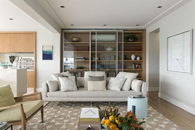 Reforma transforma varanda de apartamento em área gourmet (Foto: Divulgação)