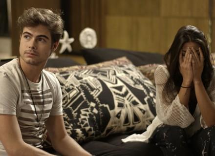 Léo dispensa Manu para namorar Stefany