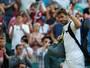 Wawrinka sente joelho e se despede com derrota na estreia de Wimbledon