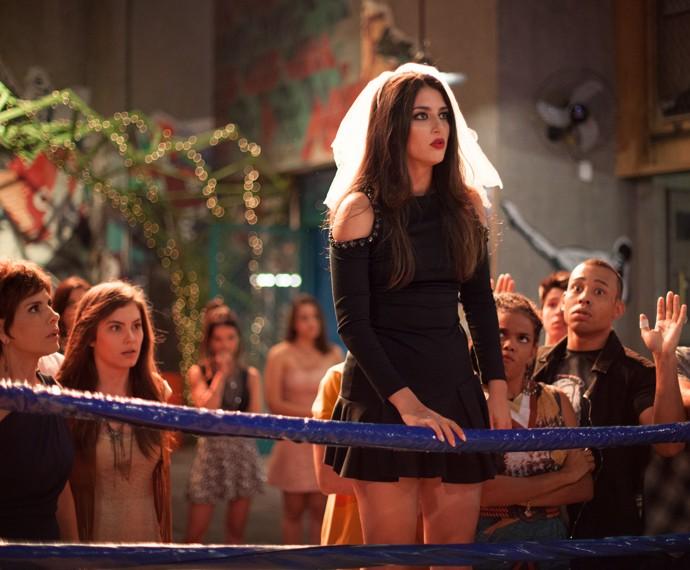 Jade faz escândalo na despedida de Cobra (Foto: Fabiano Battaglin/Gshow)