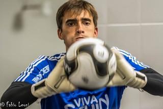 César goleiro Ponte Preta (Foto: Fábio Leoni / PontePress)