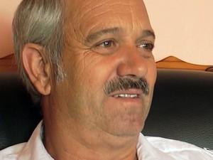 Christo Brand, o carcereiro do presídio onde esteve Nelson Mandela, em Robben Island (Foto: APTN/AP)