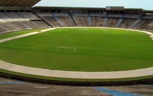 Castelão deverá ser reinaugurado em agosto de 2012 (Foto: Zeca Soares)