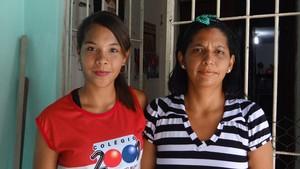 Stefanny mora com a mãe Fabiana (Foto: Malu Veiga/Globo Esporte.com)