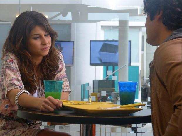 Manu e Arthur conversando quando ainda estavam na Califórnia (Foto: Geração Brasil/TV Globo)