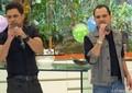 E a dupla não podia deixar de cantar uma música para ela! (Foto: Mais Você / TV Globo)