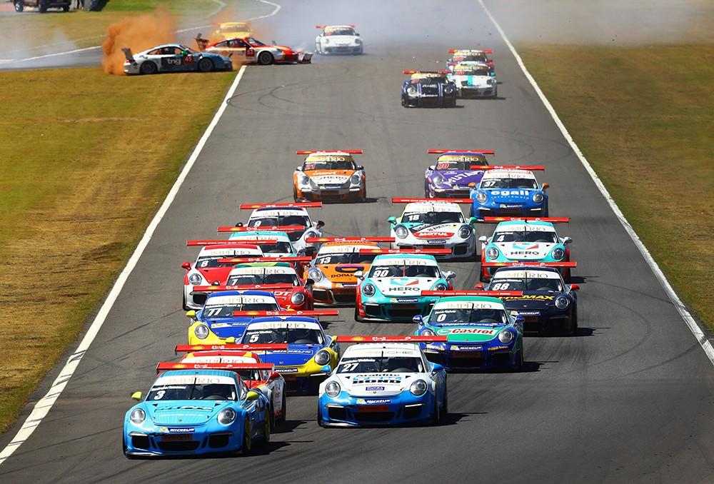 Largada disputada no calor de 40 graus de Goiânia (Foto: Divulgação/Luca Bassani/Porsche Império GT3)
