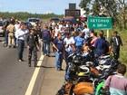 Ação da polícia rodoviária combate a prática de 'racha' na BR-060, em Goiás