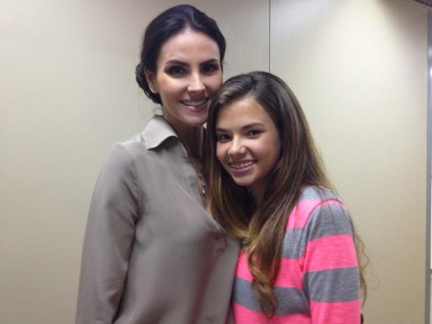 Lisandra levou a filha, Yasmin, para acompanhar as gravações (Foto: Salve Jorge/TV Globo)