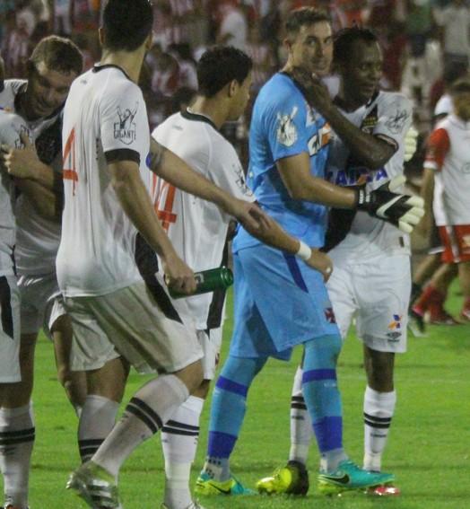 MAIS UMA NA CONTA (Carlos Gregório Jr/Vasco.com.br)