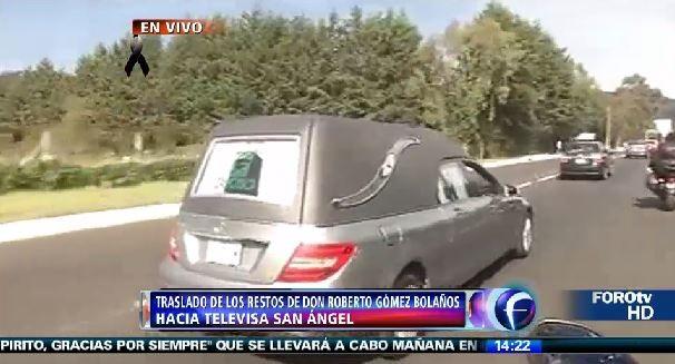 Cortejo de Roberto Bolaños (Foto: Reprodução/Televisa)