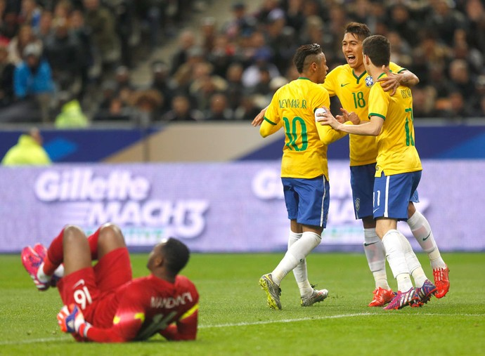 Oscar, Comemora gol do Brasil contra a França (Foto: Bruno Domingos / Mowa Press)
