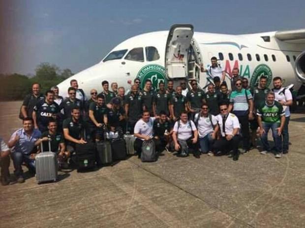 jogadores, comissao tecnica, chapecoense, foto, bolivia, aviao (Foto: Reprodução)