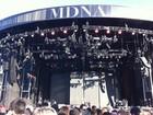 Com lanche e espumante, fãs veem passagem de som de Madonna