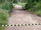 Excesso de chuva causa interdição de ponte em Divinópolis, MG