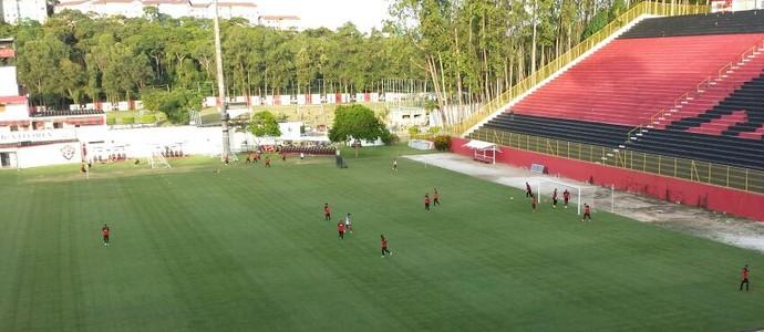 vitória treino (Foto: Thiago Pereira)