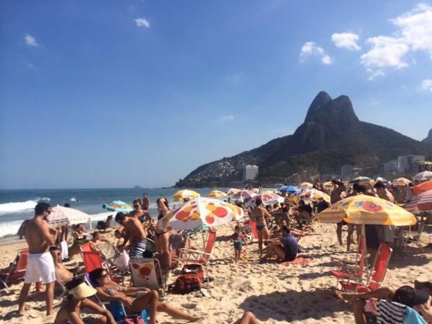 Banhistas na Praia do Leblon (Foto: André Carreira / Arquivo pessoal)