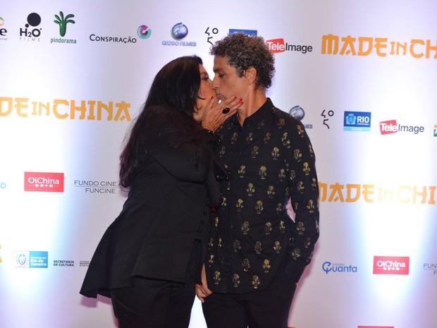Regina Casé e o marido, Estevão Ciavatta, em pré-estreia de filme em São Paulo (Foto: Caio Duran/ Foto Rio News)