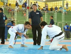 Estuda o adversário é super do importante ante de puxar o adversário para a guarda (Foto: Frank Cunha/Globoesporte.com)