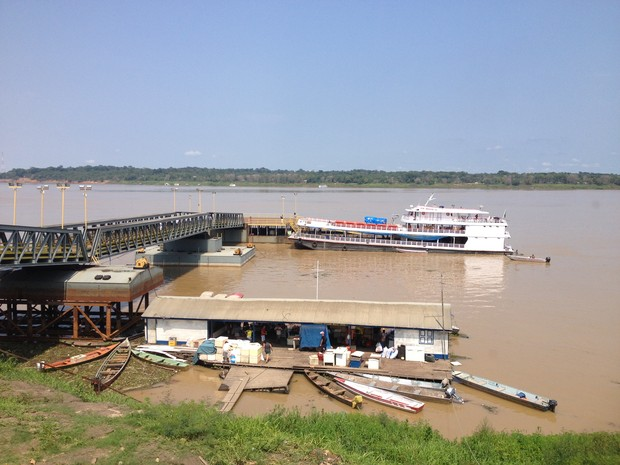 Terminal Hidroviário Cai N'água voltou a operar nesta sexta-feira, 3, em Porto Velho (Foto: Gaia Quiquiô)