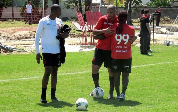 adriano vagner love felipe flamengo treino (Foto: Globoesporte.com)