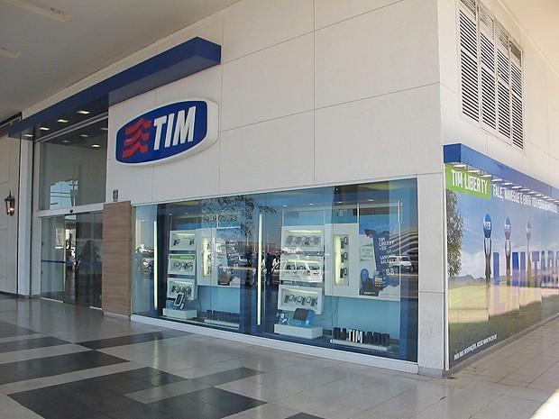 Loja da operadora de celular TIM em um shopping em Brasília (Foto: Rafaela Céo/G1)