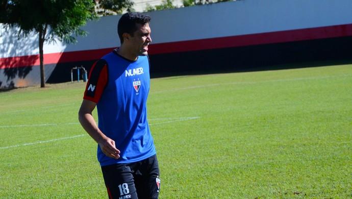 Lino - zagueiro do Atlético-GO (Foto: Divulgação / Atlético-GO)