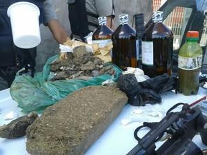 Droga apreendida foi levada para a Central de Polícia.  (Foto: Divulgação/Ministério Público)