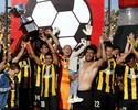 Com dois de Loco, Nacional vence, mas vê o Penãrol levar título uruguaio