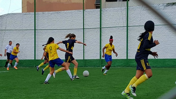 Nova Geração e Pernambuco duelaram pela quarta rodada do Campeonato Pernambucano de Futebol  7 Feminino (Foto: Divulgação / Federação Society PE)