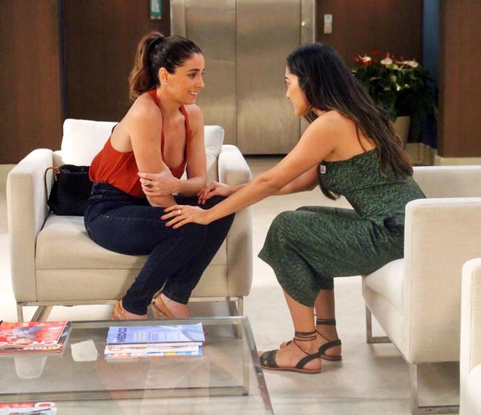 Alice e Yumi conversam sobre noite do acidente  (Foto: Nanda Barroso/Gshow)