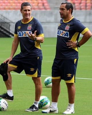 Jorginho e Zinho Manaus (Foto: Carlos Gregório Jr / Vasco.com.br)