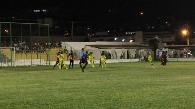Picos x Flamengo-PI - Campeonato Piauiense 2013 (Foto: Flávio Meireles)