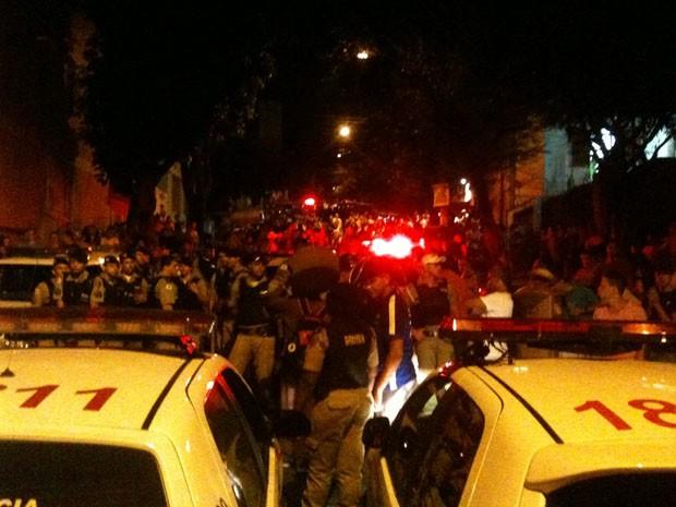 Tumulto durante festa de carnaval no bairro Santa Tereza. (Foto: Renan Ramalho/G1)