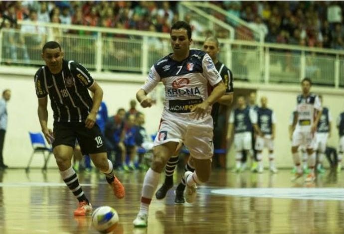 e9e1b004cd Zequinha Joinville Corinthians liga nacional de futsal (Foto  Fabrizio  Motta Divulgação)