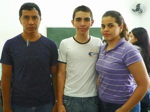 Aluno é filho de pais professores e vai morar com as duas irmãs, que moram em Ilha Solteira (SP), cidade vizinha à Universidade (Foto: Livia Tadioto/Divulgação)